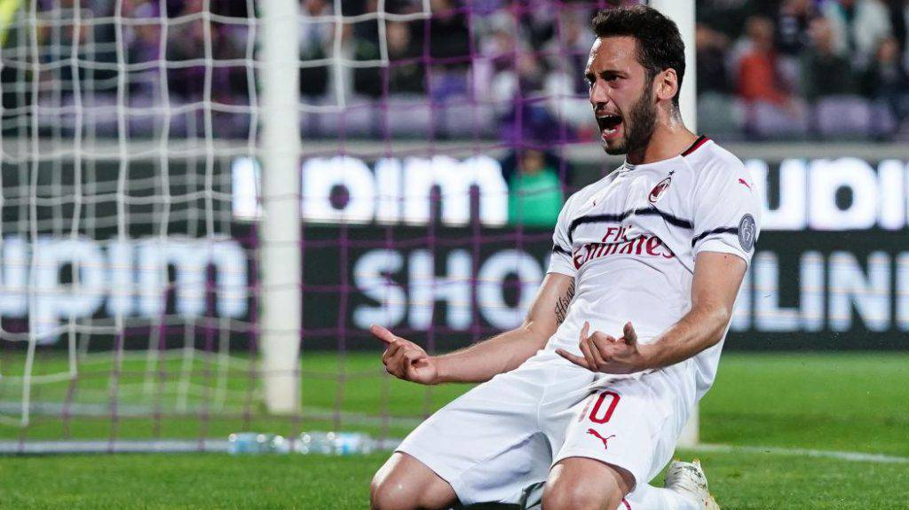 Calhanoglu, Fiorentina Milan (Getty Images)